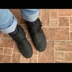 Genuine leather UGG fringe black boots Sz 8. Boho